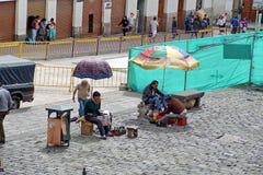 旧金山教会广场,基多,厄瓜多尔 免版税库存图片