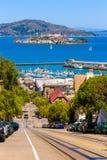 旧金山海德街和恶魔岛 免版税库存照片