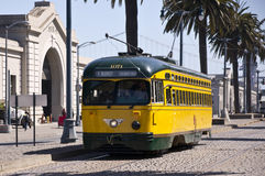 旧金山的有历史的街道汽车 免版税库存照片