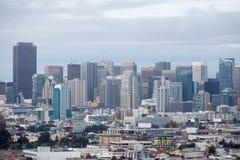 旧金山街市从贝尔纳尔高度公园 免版税库存照片