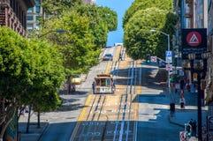 旧金山,加利福尼亚,美国- 2014年6月18日:缆车,其中一种市的吸引力旧金山 库存照片