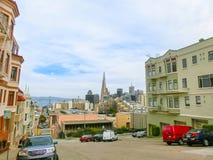 旧金山,加利福尼亚,美国- 2016年5月04日:距离的街市摩天大楼 免版税库存图片