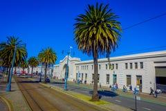 旧金山,加利福尼亚- 2017年2月11日:美好的旅游看法码头31在普遍和文化街市 库存图片