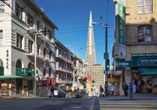 旧金山,加州,美国- 2016年3月:在唐人街的白天 免版税库存照片