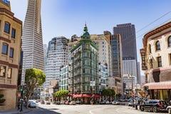 旧金山,加州- 2017年7月16日:哥伦布塔 铜gr 免版税库存图片