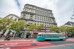 旧金山,加州- 2017年8月6日:葡萄酒电车缆绳台车c 库存照片