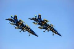 旧金山,美国- 10月8日:在展示期间的美国海军蓝色天使在SF 2011年10月8日的舰队星期在旧金山,美国 免版税库存图片