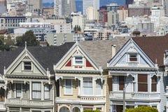 旧金山,美国- 4月07日:阿拉莫斯广场-被绘的Ladie 免版税库存照片