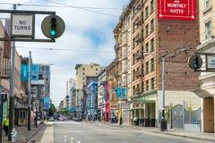 旧金山- 2017年8月6日:农贸市场五颜六色的大厦 库存图片