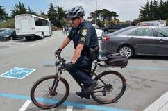 旧金山-警察骑自行车 库存图片