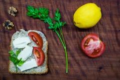 早午餐时间:健康和鲜美食物 库存照片