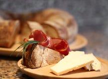 早午餐用火腿和乳酪 库存图片