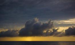 早晨云彩,中部大西洋 库存图片