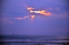 早晨和日出时间在帽子晁Samran靠岸 免版税库存图片