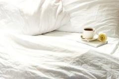 早晨在床上 图库摄影