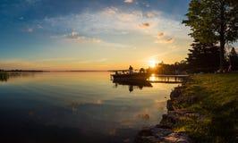 早晨在村庄的日出渔在安大略 免版税图库摄影