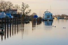 早晨在Vagga小游艇船坞 免版税图库摄影