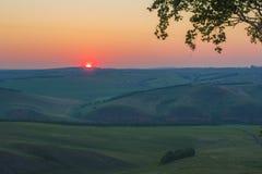 早晨夏天风景 1257座高米山山波兰skrzyczne日出视图 西伯利亚的本质 免版税库存照片