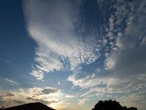 早晨天空看法有日出背景 图库摄影