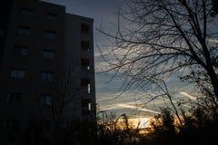 早晨太阳和建筑学 图库摄影