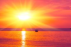 早晨太阳淡桔色的热的区域 免版税库存图片