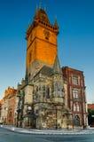 早晨射击布拉格城镇厅(Rathaus)在捷克 免版税库存照片