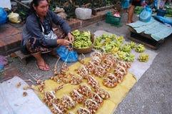 早晨市场在琅勃拉邦,老挝 免版税库存照片