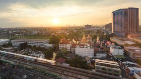 早晨曼谷轰隆na日出,城市在大都会o的scape视图 库存图片