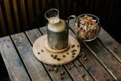 早晨热奶咖啡 图库摄影