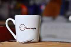 早晨热的饮料杯子 免版税图库摄影