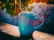 早晨蒸汽的热的咖啡 库存图片