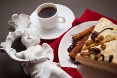 早晨蛋白牛奶酥和咖啡 库存照片