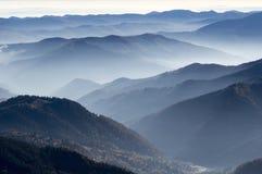 早晨雾在秋天 库存照片