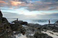 早晨sunrsie的渔夫 图库摄影