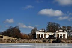 早期的春天在立陶宛 帕克鲁奥伊斯庄园 免版税图库摄影