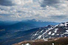 早期的横向山春天 喀尔巴汗,乌克兰,欧洲 图库摄影