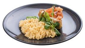 早餐与三文鱼的炒蛋 库存图片