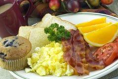 早餐咖啡盛肉盘 免版税库存照片