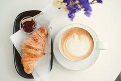 早餐在早晨用咖啡 库存照片
