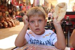 早餐在老城市市场上在耶路撒冷 免版税库存照片