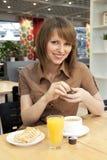 早餐女孩 库存照片