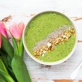 早餐戒毒所绿色圆滑的人碗 库存图片