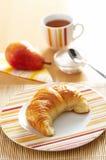 早餐新月形面包法语 库存照片