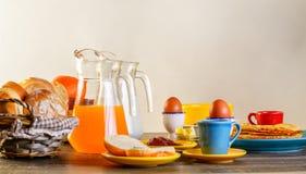 早餐桌全套 免版税库存图片