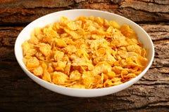 早餐桌玉米剥落碗 免版税库存照片