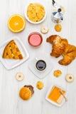 早餐桌的食物 库存图片