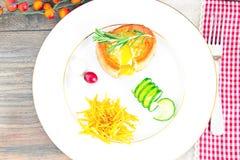 早餐用在方旦糖长方形宝石的鸡蛋 免版税库存图片