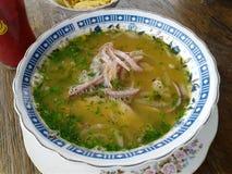 早餐膳食鱼汤用葱 免版税库存照片