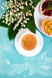 早餐茶,米薄脆饼干 免版税库存图片