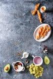 早餐设置与三文鱼和酸奶 库存图片